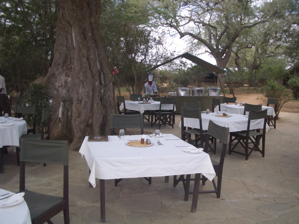 Satao Camp Lunch 1